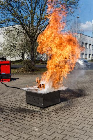 Flamme einer Fettbrandexplosion.